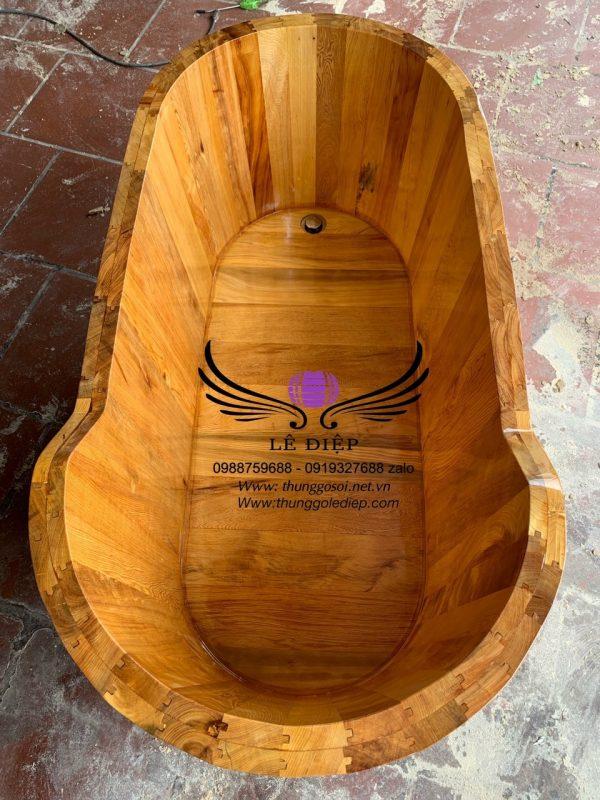 mặt bên phía trong thùng gỗ