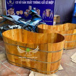 bồn tắm gỗ bầu dục cao cấp