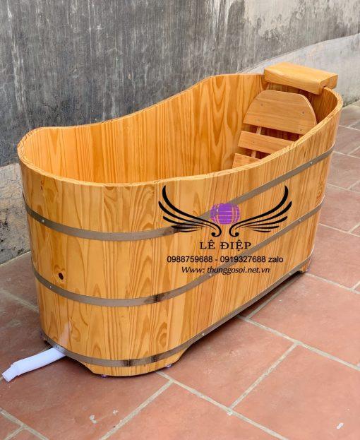 thùng tắm gỗ thông bầu dục
