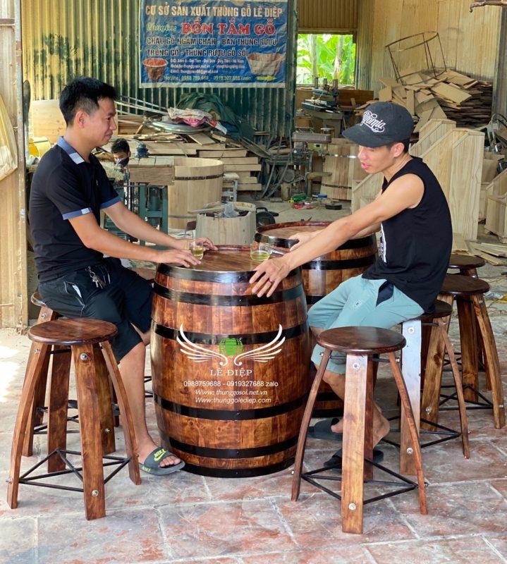 bàn thùng rượu gỗ trang trí