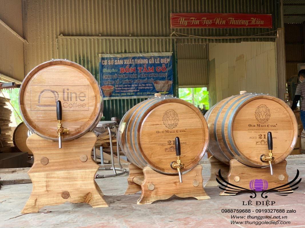 thùng gỗ sồi ủ rượu cao cấp