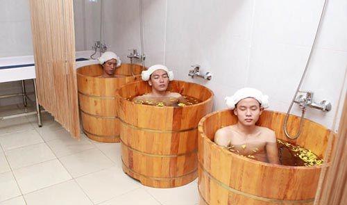thùng tắm gỗ spa giá rẻ