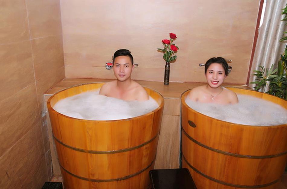 thùng tắm gỗ thông giá rẻ